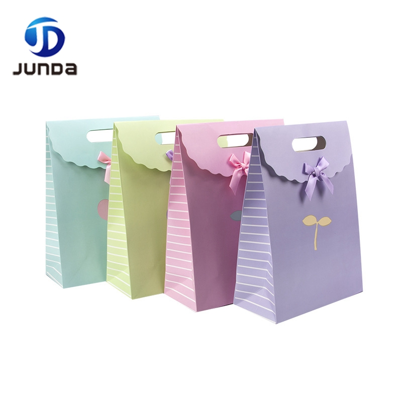 Wholesale Luxury Top Fashion Home Collection paper gift packaging bag for wedding