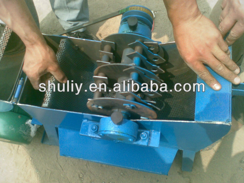 tree branch grinder/electric grain crusher /diesel engine branch crusher0086-15238618639