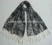 2013 best selling printed viscose fashion muslim hijab scarf with tassels