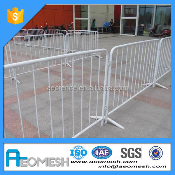 AEOMESH durable crash barrier / hot dipped galvanized crowd control barrier