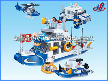 Creative items 418pcs Building Blocks Policeman motorcyle set