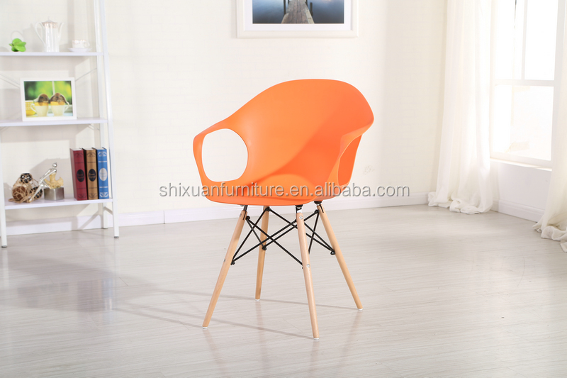 newly design wood legs KD packing PP chair