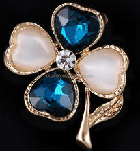 clover-shaped navy bule brooch with rhinestone for decoration