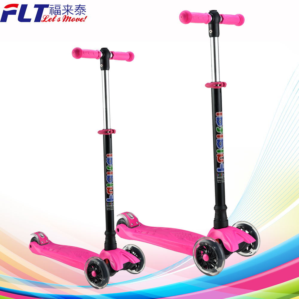 Hot sale Four flashing wheel 6 years old cheap kids kick scooter for entertainment