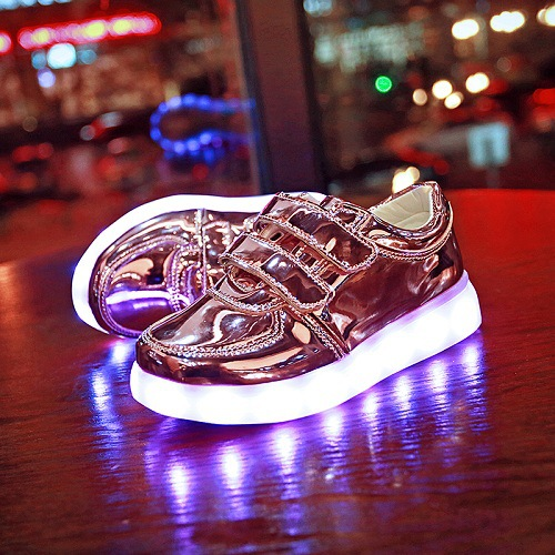 Wholesale children USB charging colorful flash low luminous shoes to help men and women shoes LED colorful light shoes