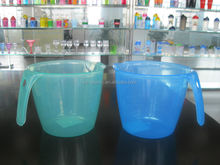 plastic liquid Measuring container