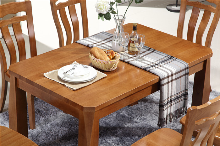 The wholesale high quality solid wood dining table