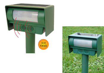 Good Ideas Solar Powered PIR Motion Activated Animal Repeller- Deter, repel vermin, cats, dogs, pests, animal chaser.