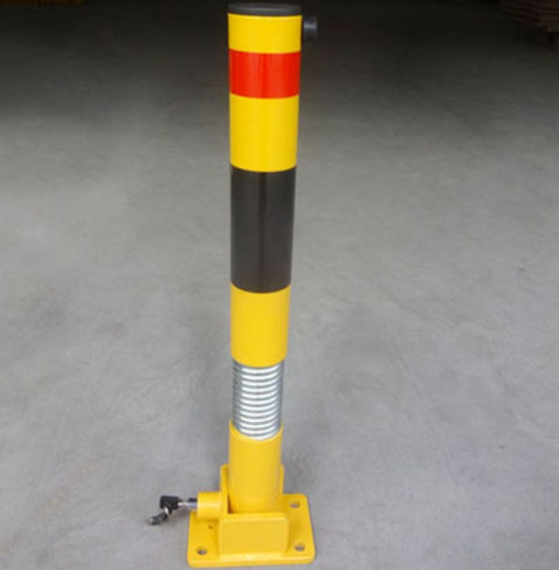 Australia and USA Type Customized Steel Parking Lot Barrier Post / Parking Bollard With Key