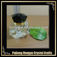 2013 black modern design metal crystal perfume bottles with high quality