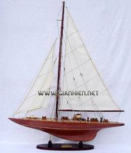 ENDEAVOUR WOOD FINISHED SAILING BOAT GIFT