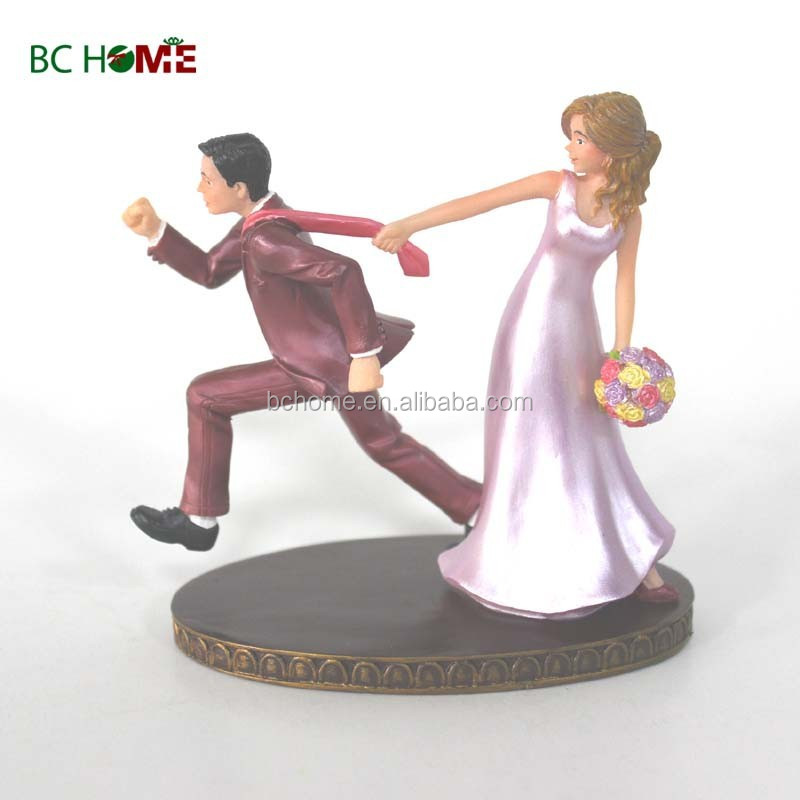 Resin bride and groom figurine wedding table decoration
