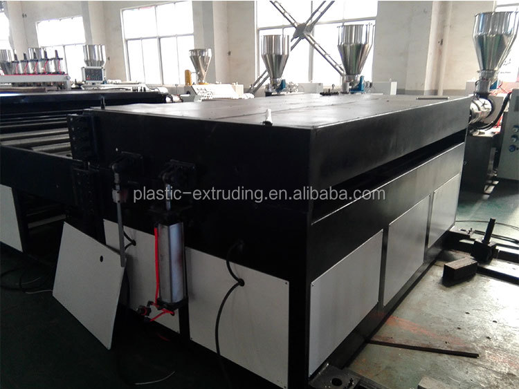 PP PC hollow sheet board machine production line