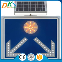 Solar Powered traffic road safety led arrow sign, arrow sign board