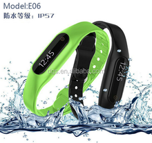 Promotional E06 Smart sport Band TPU Pedometers Fitness Activity Tracker With App