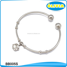 Olivia Personalized Logo Cuff Bangle Bracelet in Walmart Guangzhou Fashion Jewelry Market 2017
