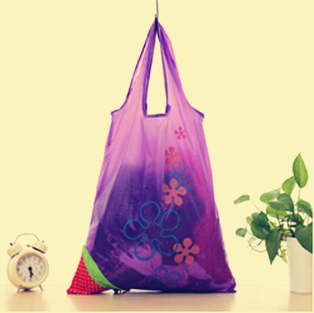 Hot Selling 1 Piece Brand New Eco Storage Handbag Strawberry Foldable 8 Colors Shopping Bags Reusable Bag