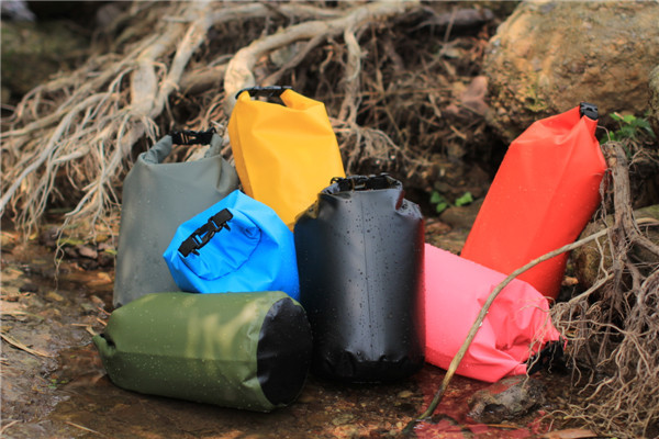 Custom logo outdoor waterproof ocean pack pvc tarpaulin dry bag with shoulder strap 5L/10L/15L/20L/30/40L dry tube bag