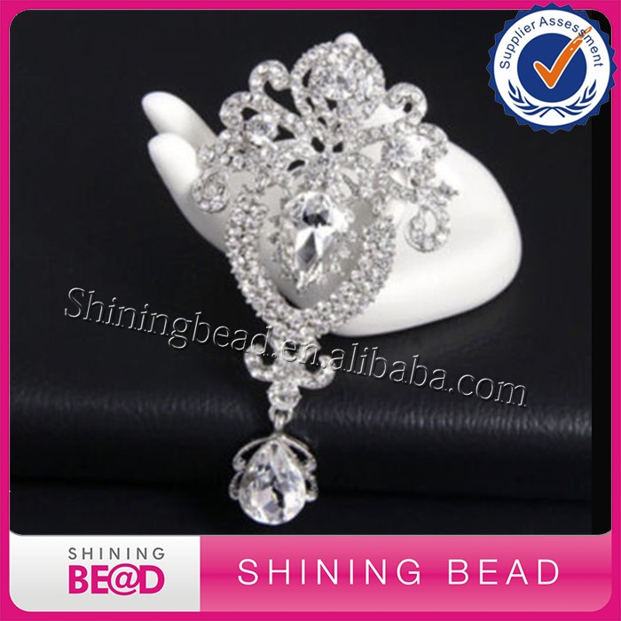 Charm ,Fashion,beautiful and attractive Rhinestone Garment Brooch Pin