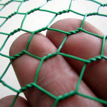 in stock- Hot dipped galvanized / PVC coated / stainless steel hexagonal wire mesh / chicken wire mesh with mesh size :1.5inch