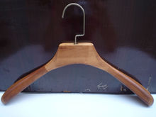 wholesale heavy duty setwell wall hook wooden shirt hangers from factory in China