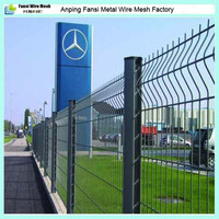 PVC Coated and Painting Materials RAL6005 V folded white wire mesh fence in bay area