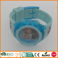 Factory Supply Low Price Flash LCD Digital Children Wrist Watches For Boys Toys