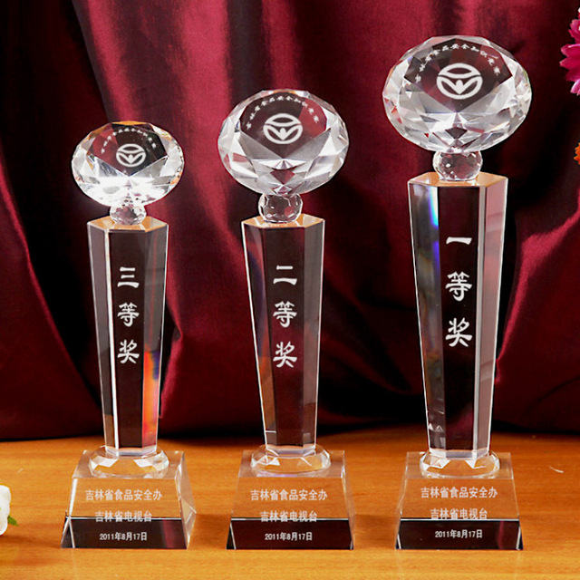 Cheap Crystal Diamond Shape Trophies Crystal Manufacturer Awards Plaques
