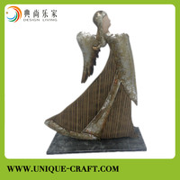 Metal and wood antique crafts and arts for home decorations