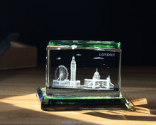 Small Crystal Cube 3D Laser Etched London Building for Tourism Souvenir Gift