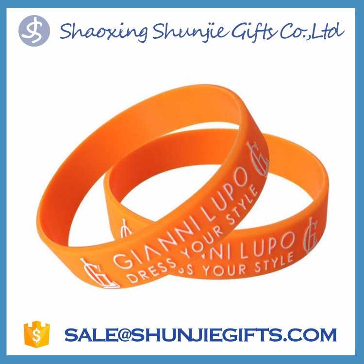 HOT silicone wrist bands/personalized silicone bracelet/silicone rubber bracelet wristbands football