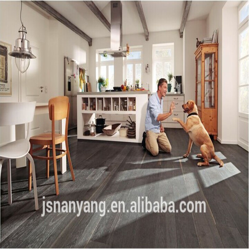 Good quality <strong>oak</strong> 3-layer engineered stain grey brushed wood floor