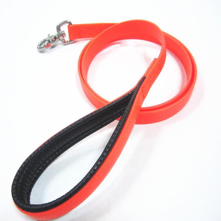 pvc leash orange.jpg