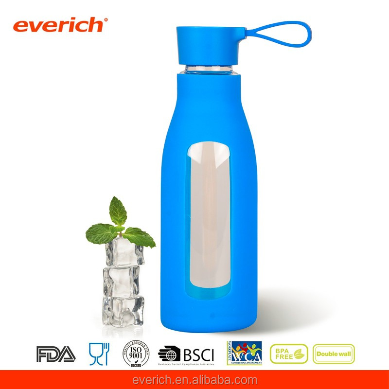 Heat-risitant Borosilicate sport glass water bottle with cobalt blue silicone sleeve