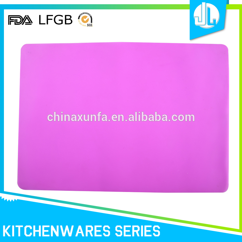 Cheap high quality China manufacture FDA grade silicone kids placemats