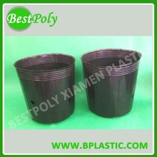 Large plastic planter pots