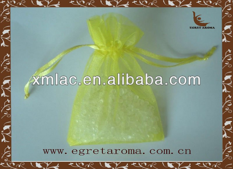 2014 newly 15g plastic scent air freshener in yellow organza bag