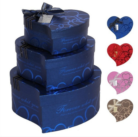 Custom luxury fancy empty heart shaped celebrations chocolate box manufacturer