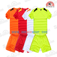 OEM dry fit Football/ Soccer sports uniform of child, man, woman
