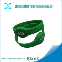 Custom color round shape HF 13.56MHz rfid ntag213 nfc smart silicone wrist band