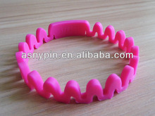 2013 Promotional gift silicone wrist straps