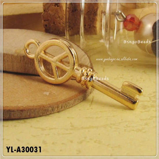 Ancient Golden Retro Style Fashion Key Pendant Peace Symbol