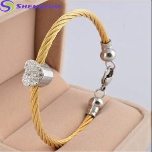 14k Gold Plated Heart Cable Latest Design Stainless Steel Bracelet with Diamond Heart Charm Women Bracelet