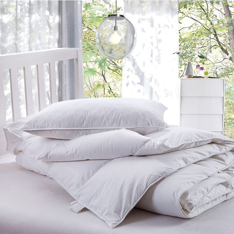 100% cotton with feather quilts Comfort of white goose down bedding