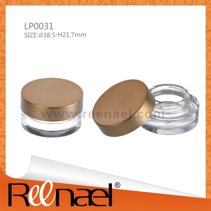 Unique cosmetic loose powder container/case with handle brush and clear base