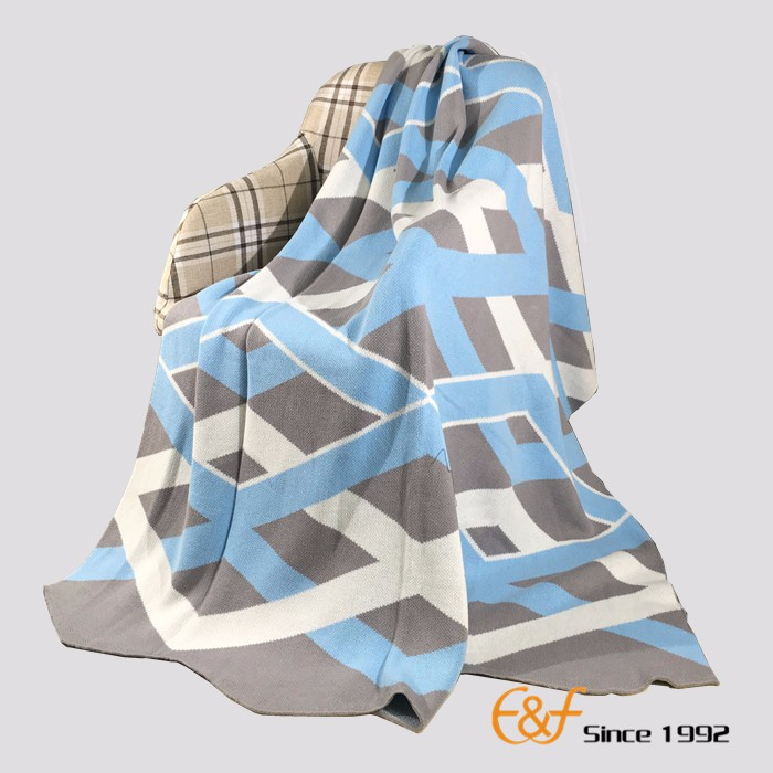 High-quality Cotton Fold Line Jacquard Knitted Blanket