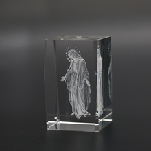 Factory Made 3D Engraving Crystal Cube Virgin Mary for Religious Gift