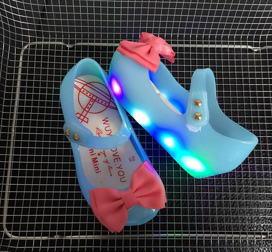 New fashion cheap led kids casual PVC sandals light up girls jelly shoes