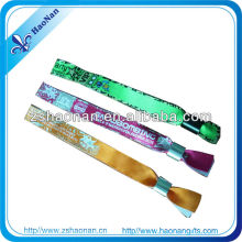 2013 hot selling promotional wristband best gifts for teenagers