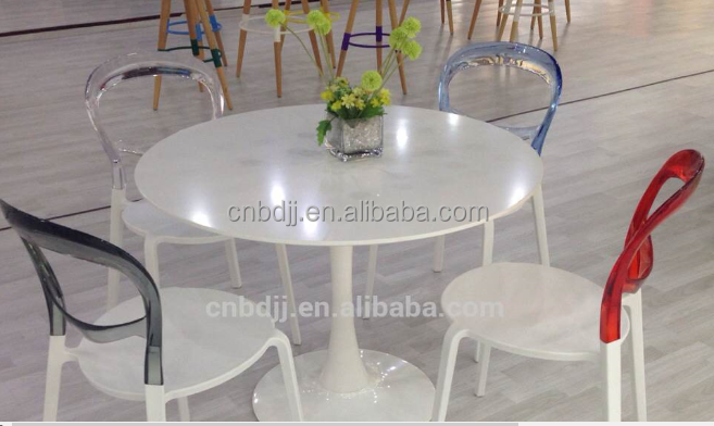 China high quality round tulip table ,solid wood dining table with metal legs